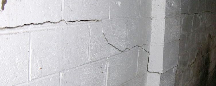 Valparaiso IN | Horizontal Wall Cracks